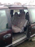 Dezmembrez 2 auto craysler voyager ambele  Chrysler Voyager 1998