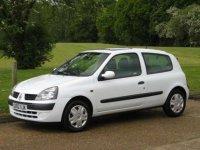 Dezmembrez 2 renault clio 1 5dci 2usi Renault Clio 2002