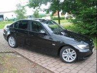 Dezmembrez aceasta masina in totalitate BMW 320 2007