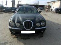 Asiguram piese de calitate si un stoc permanent Jaguar S-Type 2000