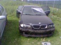 Dezmembrez bmw e face lift cu xenon am motor si BMW 330 2002