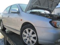 Capota fata nissan primera 1 6 benzina din  Nissan Primera 2001