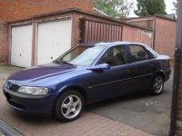 Capota opel vectra b aripa stanga opel vectra b Opel Vectra 1998