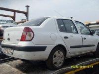 Dezmembrez clio   1 2 8v 1 4 8v 1 4 v 1 5 dci Renault Clio 2000