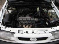 Convertizor opel vectra a 1 8 benzina din  de Opel Vectra 1995
