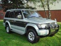 Dezmembram mitsubishi pajero 2 5 si 2 8 din  Mitsubishi Pajero 1996