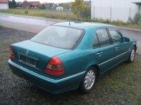Dezmembrez mercedes 0td vand motor accesori Mercedes C 250 1999
