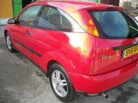 Dezmembrez ford focus 1 6i piese caroserie Ford Focus 2001
