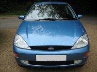 Dezmembrez ford focus 1 8 tddi orice Ford Focus 2000