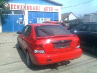 Dezmembrez hyundai accent an  diesel 1 5 la Hyundai Accent 2002