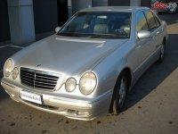 Dezmembrez mercedes e3oo vand motor cutie de Mercedes E 300 1998