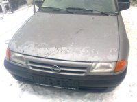 Dezmembrez opel astra 1 4 benzina  Opel Astra 1994