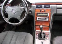 Dezmembrez orice piesa pentru mercedes e class Mercedes E 220 1997