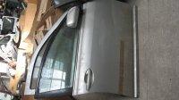 Usa dreapta fata toyota avensis din anul  Toyota Avensis 2006