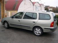 Aripa stanga spate renault megane break 1 6 Renault Megane 2000