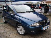 far stanga Lancia Y Lancia Y 2002