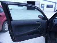 Vand usi fata pentru alfa romeo 1 6i geamuri usi Alfa Romeo 147 2002