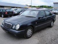 Vindem ax volan mercedes e0 2 3 din  Mercedes E 230 1999