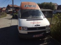 Dezmembrez vw t4 1 9 diesel se vinde pompa Volskwagen T4 1995
