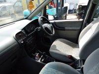 Dezmembrez zafira din  1 6 b 1 8 b 2 0 b 2 0 d am Opel Zafira 2001
